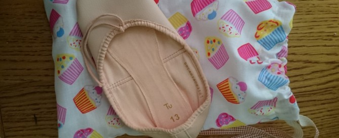 hand made cupcake ballet shoe bag